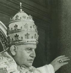 1958 Angelo G Roncalli becomes Pope John XXIII