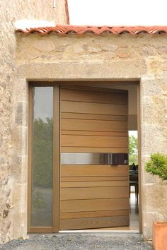 Scroll down your cursor and see more options of trendiest front door that now become the best-looking products for homes. Now you have been introduced ten best mid century modern front doors possibly will be most popular trends in few years ahead. Modern Entrance Door, Modern Front Door, Front Door Entrance, Entry Doors, Door Design Interior, Main Door Design, Front Door Design, Wooden Front Doors, The Doors