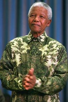Madiba's shirt, Batik Indonesia punya Nelson Mandela Nelson Mandela, African Women, African Fashion, Black Presidents, Women Life, Black History, Shirt Style, Men Casual, Casual Chic