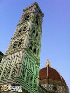 Catedral de Florencia. Sitios de Interés en Florencia. Recorre Italia en coche con http://www.reservasdecoches.com/paises/alquiler-de-coches-italia/ alquilando un coche en el Aeropuerto de Florencia: http://www.reservasdecoches.com/es/alquiler-de-coches/Aeropuerto_de_Florencia.html #Florencia #Italia #turismo #viajes #sitiosdeinteres #viajar #rutaporitalia