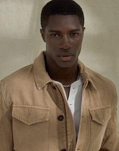Gorgeous Black Men, Handsome Black Men, Pretty Men, Beautiful Boys, Pretty Boys, Beautiful People, Dark Skin Boys, Photographie Portrait Inspiration, Cute Black Boys