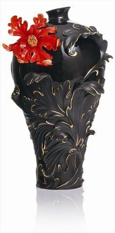 porcelain Art NEW__ FRANZ__Franz Porcelain Vase - Black baroque vase