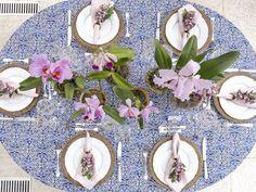 Deixar o lavabo bem preparado para as visitas faz toda diferença na hora de receber. Flores, velas perfumadas, caixinha de remédios, num ambiente ...