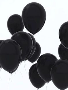 Black balloons - palloncini neri M. Drive-In Black Love, Back To Black, Black Is Beautiful, Color Black, Black White Art, Pretty Black, Beautiful Flowers, Preto Wallpaper, Black Balloons