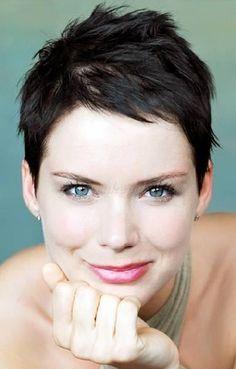 pixie frizurák - Osvárt Andrea pixie frizura