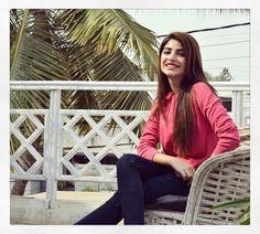 مِیزانِ عشق میں جب بارہا تولا ہم نے   مُسکانِ یار، طبِ لُقمان سے بہتر نکلی Stylish Girl Images, Stylish Girl Pic, Kinza Hashmi, Stylish Dpz, Lehenga Designs, Indian Designer Outfits, Pakistani Actress, Girls Dpz, Girl Photography Poses