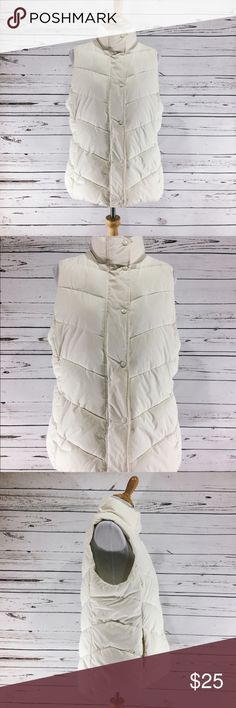"{GAP} White Puffer Vest Size Large White puffer vest by The Gap.  Zips and snaps. Two front pockets .  High neck . Warm and perfect for layering!! EUC.  All measurements taken flat .   Size Large measures shoulder to hem 26@, armpit to armpit 20"", waist 20"".  L-23 GAP Jackets & Coats Vests"