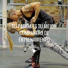 Tu mejor compañero de entrenamiento siempre será tu pareja. Motivense y entrenen juntos #Training #motivation #fitness
