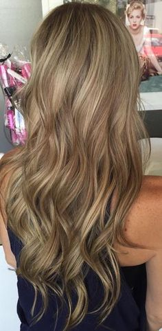 hair color with dimension - multi toned blonde and bronde highlights (Easy Hair Cuts) Hair Color And Cut, Brown Hair Colors, Hair Colours, Level 7 Hair Color, Hair Colors For Fall, Hair Color For Morena Skin, Hair Highlights, Dirty Blonde Hair With Highlights, Caramel Highlights