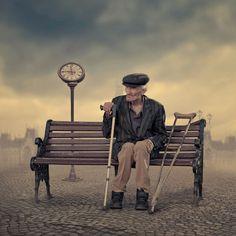 Old Couples, Couples In Love, Old Couple In Love, Old Man Walking, Tears Of Sadness, Alone Art, Figure Sketching, Extraordinary People, Man Sitting