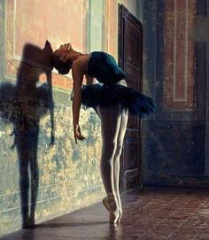 Love the play of color & shadow...plus I love ballet!