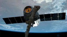 El carguero Dragon atraca en la Estación Espacial Internacional