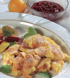 Jablečný trhanec - dost dobrý Egg Recipes, Sweet Recipes, Food Bulletin Boards, South Tyrol, Slow Food, Italian Recipes, Frittata, French Toast, Tasty