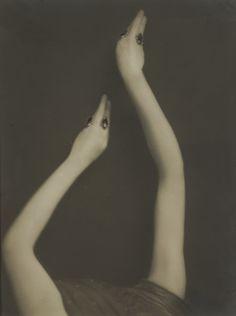 "detournementsmineurs: """"Snakes"" the sinuous arms of the famous dancer Roshanara by Emil Otto Hoppé, 1918. """