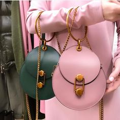 Round leather bag with gold details – louis vuitton necklace Diy Fashion, Fashion Bags, Womens Fashion, Fashion Dresses, Beautiful Bags, My Bags, Purses And Handbags, Ladies Handbags, Leather Bag