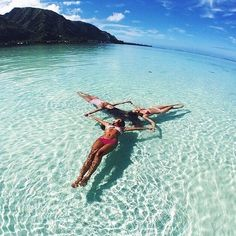 Image uploaded by sporty girl Find images and videos about girl, summer and beach on We Heart It - the app to get lost in what you love. Best Friend Pictures, Bff Pictures, Beach Pictures, Summer Goals, Photos Voyages, Cute Friends, Best Friend Goals, Belle Photo, Summer Vibes