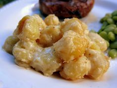 Gnocchi Mac and Cheese - THE BEST mac and cheese EVER! They only mac and cheese recipe you will need! I could eat this with every meal and never get sick of it! Give it a try ASAP! Gnocchi Mac And Cheese Recipe, Gnocchi Recipes, Macaroni Cheese, Mac Cheese, Pasta Recipes, Cooking Recipes, Fontina Cheese, Zoodle Recipes, Cheese Recipes