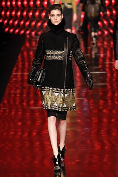 Etro Fall 2013 Ready-to-Wear Fashion Show - Manon Leloup