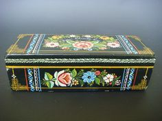 """Vintage lacquered wood box from Olinala dedicated to """"Paty""""    http://cgi.ebay.com/ws/eBayISAPI.dll?ViewItem&item=380721999189&ssPageName=STRK:MESE:IT#ht_679wt_1003"""