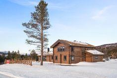 OPPLEV NYE RØROSHYTTA VISNINGSHYTTE!   FINN.no Timber Cabin, Nye, Barn, Real Estate, Rustic, House Styles, Design, Home Decor, Baby 2017