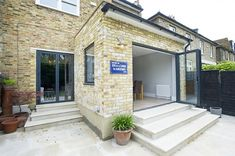East Dulwich Rear Extension on a Victorian Terraced House in East Dulwich Greater London Flat Roof Open Plan Design Contemporary Kitc Side Return Extension, Rear Extension, Extension Ideas, Patio Roof, Pergola Patio, Pergola Ideas, Cedar Pergola, Pergola Kits, Small Pergola