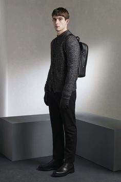 http://www.vogue.com/fashion-shows/fall-2016-menswear/gieves-hawkes/slideshow/collection
