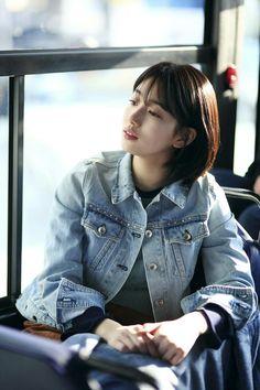 Bae Suji (배수지) news - [JYP actors] 'While You Were Sleeping' - Suzy. Bae Suzy, Korean Actresses, Korean Actors, Suzy Drama, Korean Girl, Asian Girl, Miss A Suzy, Korean Celebrities, Korean Model