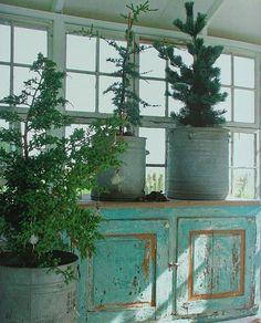 Brocante Kerst, brocante kerstsfeer, brocante kerstbladen, brocante ... zinken potten.....