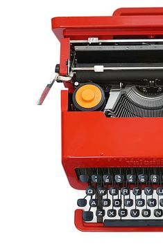 This Red Olivetti Valentine Typewriter was the most wanted typewriter in the and it still is today. Modern Typewriter, Antique Typewriter, Lipstick For Fair Skin, Liquid Lipstick, Lipstick Colors, Red Lipsticks, Pigeon Craft, Lipstick Tattoos, Lipstick Designs
