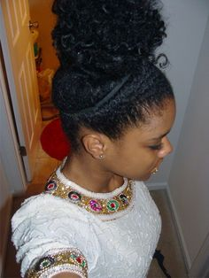 Art love this curly top knot must-love-hair