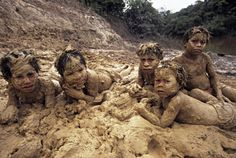 People playing in the mud - Google Search Mud, Mount Rushmore, Mountains, Google Search, Nature, People, Travel, Animals, Naturaleza
