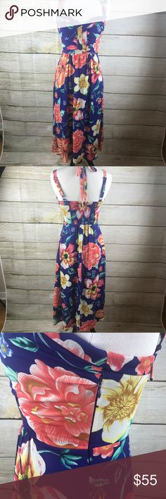 Anthro Moulinette Soeurs Annona Midi Dress In like new condition! Size 0. Midi Length. Blue with floral print. Anthropologie. Has a lining. Straps are adjustable. Zips up side. Armpit to armpit 14 inches. Anthropologie Dresses Midi