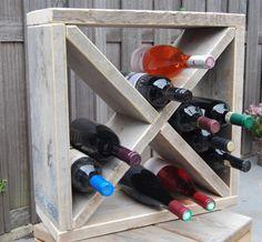 Helemaal in die wijnrekken van steigerhout. Verschillende maten zodat je al jouw flessen hierin kwijt kunt