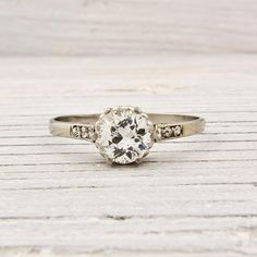 vintage wedding rings are my weakness :)