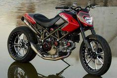 Roland Sands custom Ducati Hypermotard..it's beautiful
