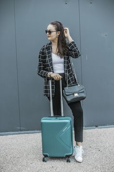 @natachapeyret taking her cabin spinner to the London streets. #MeAndMyAT