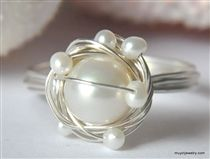 SNOWY NEST freshwater pearl wire wrap ring