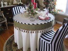 Pandora's Box: Christmas Table Setting Ideas, from year's past....