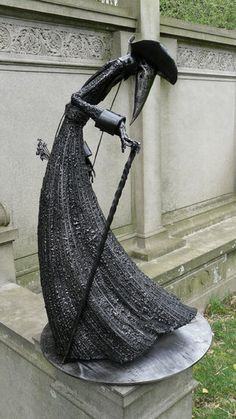 x welded steel In 1630 the Bubonic Plague crept through Venice on the backs of flea carrying rats. 1630 - right side Bubonic Plague, Plague Mask, Plague Doctor, Doctor Mask, Victorian Goth, Gothic, Black Death, Tattoo Inspiration, Fantasy Inspiration