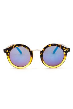 Completely head over heels for the ombre effect on these sunnies!
