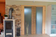 Gemütlicher Wohnbereich mit Glastür Home Decor, Living Area, Homes, Decoration Home, Room Decor, Home Interior Design, Home Decoration, Interior Design