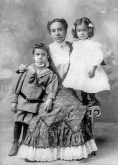 """Cornelia White Peterson with children Philip and Dorothy circa 1900 NYC from """"Black Gotham: African Americans in Century New York City."""" They are some of the author's ancestors. American Women, African American Fashion, American Photo, American Children, American Art, Belle Epoque, Old Photos, Vintage Photos, Antique Photos"""