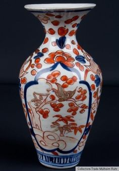 Japan 20. Jh. A Japanese Arita 'Imari' Baluster Vase - Vaso Giapponese Japonais