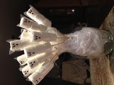 Marshmallow Ghost Bouquet! Perfect for a Halloween party :) #kids #holiday #party