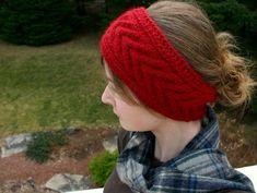 Knitting Patterns Headband Free horseshoe cable headband pattern for knitting and crochet. This pattern is on Materia… Stitch Crochet, Crochet Yarn, Free Crochet, Crochet Cable, Easy Crochet Patterns, Baby Knitting Patterns, Free Knitting, Cable Knitting, Bandeau Crochet
