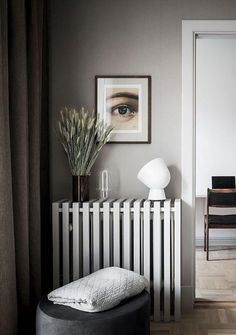 6 Bedroom trends for 2019 Summer is coming to an end and we know you're already focused on the fall. Here you have all the 2019 bedroom trends that you just can't miss. Cozy Living Rooms, My Living Room, Living Room Interior, Interior Design Kitchen, Modern Interior Design, Modern Interiors, Contemporary Interior, Luxury Interior, Scandinavian Style Home