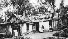Early Settlers' Homes and Bush Huts in Australia. Wattle and daub home with bark roof and parget wooden chimney. That seems late to be an early settler. Wattle And Daub, Australian Bush, Australian Homes, Australian People, Australian Icons, Australia Day, Victoria Australia, Melbourne Australia, Early Settler