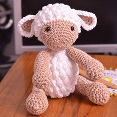 Passo a Passo... Mas como faço?: Ovelha Amigurumi com receita e passo a passo Crochet Toys Patterns, Amigurumi Patterns, Stuffed Toys Patterns, Crochet Dolls, Crochet Baby, Free Crochet, Knit Crochet, Baby Girl Sweaters, Theme Noel