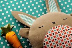Descargar PDF costura patrón Betsy & albahaca Bunny Softies by retromama | Etsy
