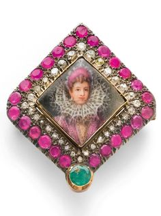 AN ANTIQUE RUBY, EMERALD AND DIAMOND MINIATURE BROOCH / PENDANT, CIRCA 1890…